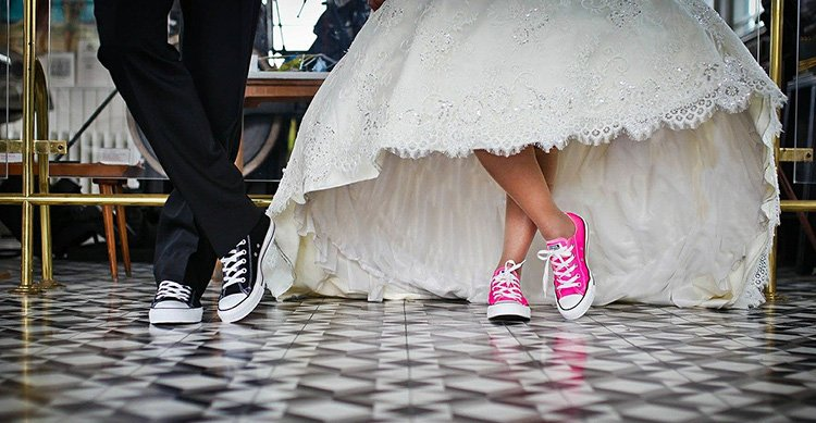 photo of pink bride converse