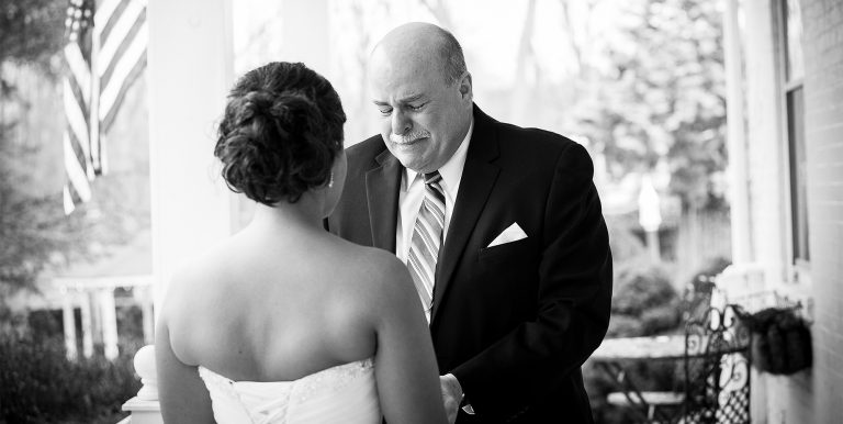 18 Amazing Father Daughter First Look Wedding Photos (OMG!)